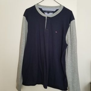 Tommy Hilfiger Men's Grey and Blue Long Sleeve Tee